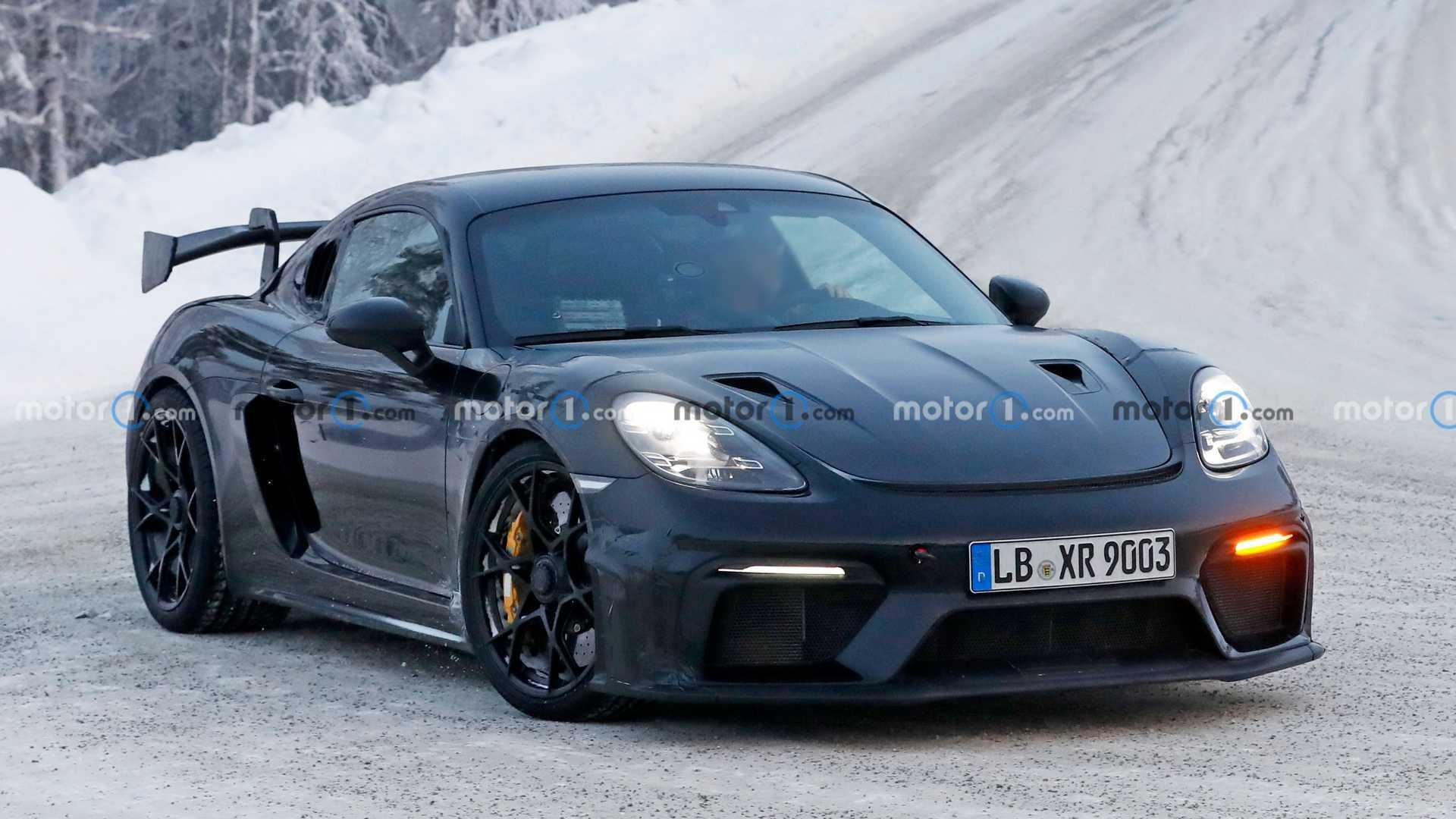 Porsche Cayman GT4 RS Spied Enjoying The Snow - Motor1