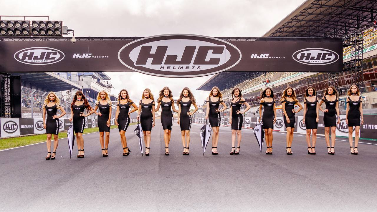 HJC French GP grid girls