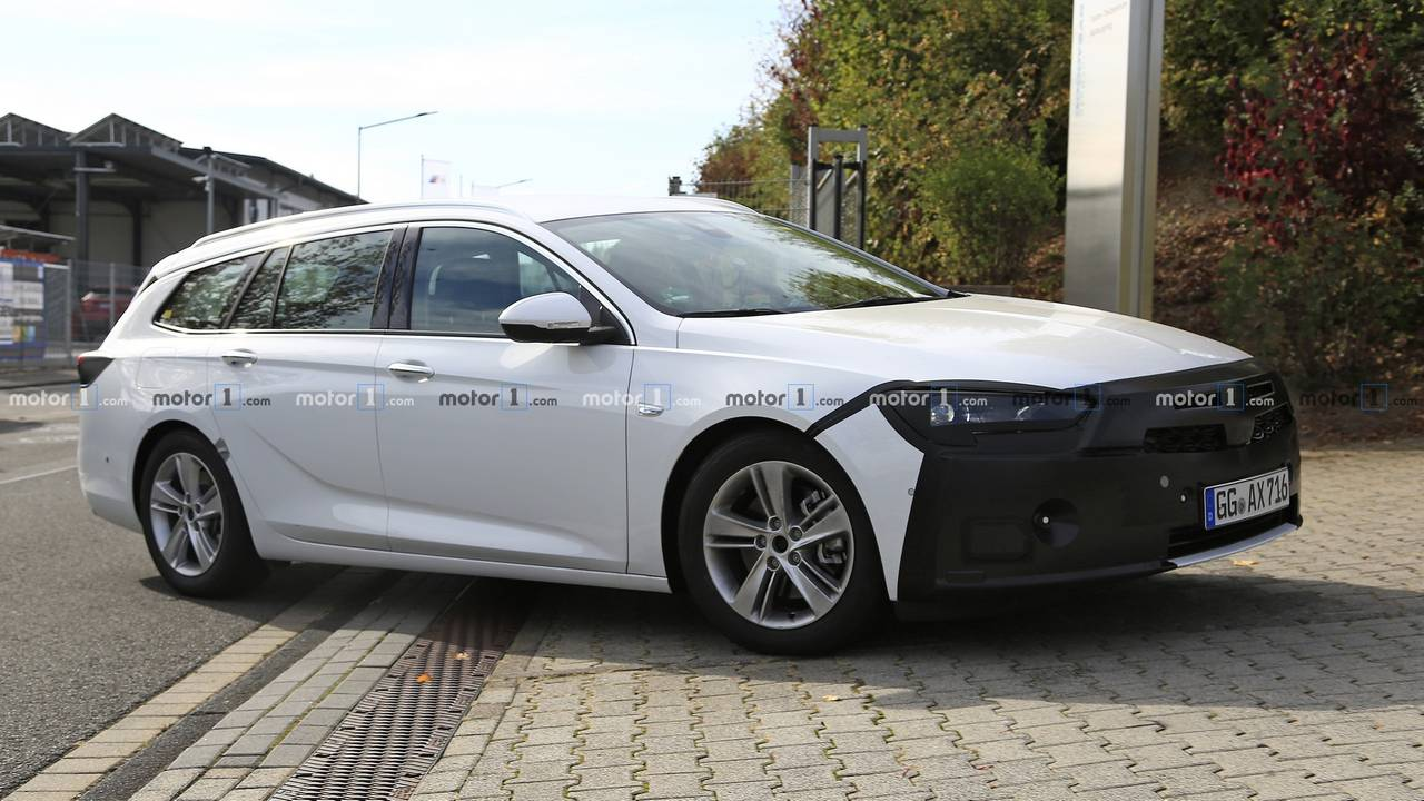2020 opel insignia sports tourer facelift spied for the first time. Black Bedroom Furniture Sets. Home Design Ideas