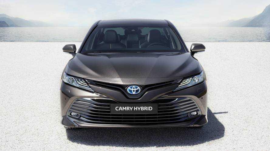 2019 Toyota Camry Hybrid (Euro Spec)