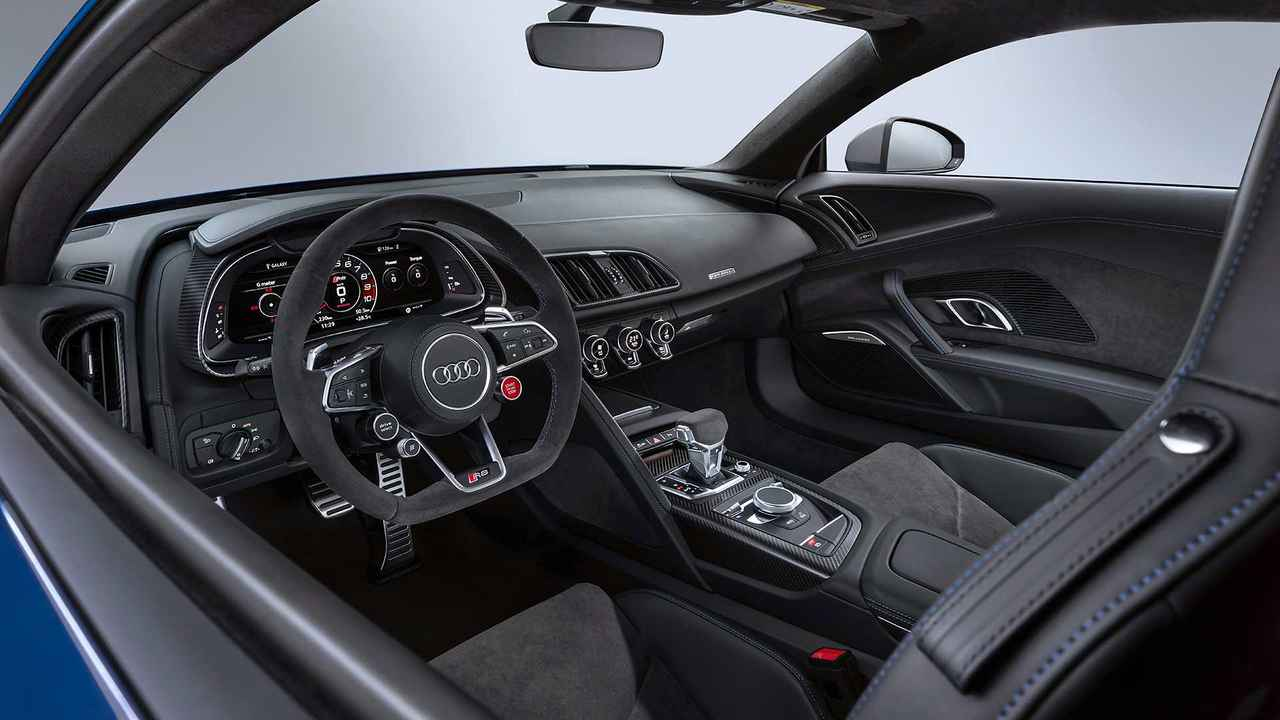 2019 audi r8 see the changes side by side. Black Bedroom Furniture Sets. Home Design Ideas