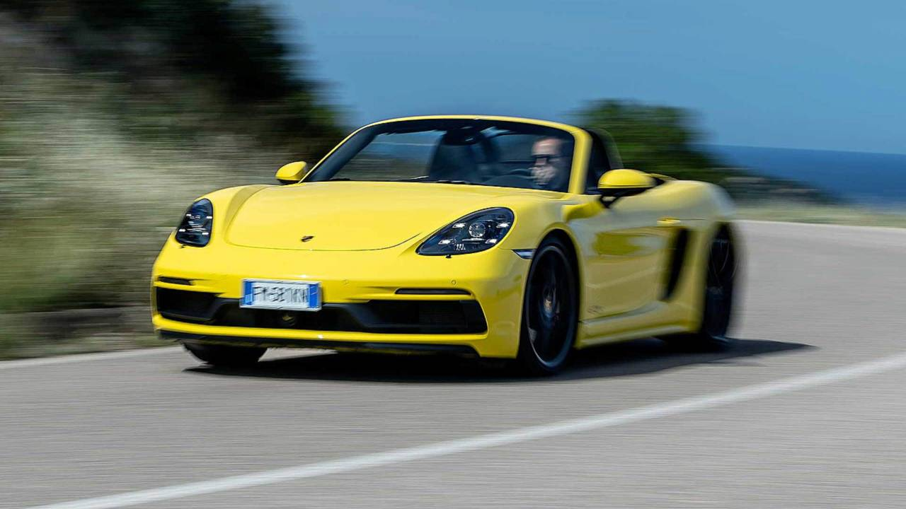 Porsche 718 Boxster, la prova in Sardegna