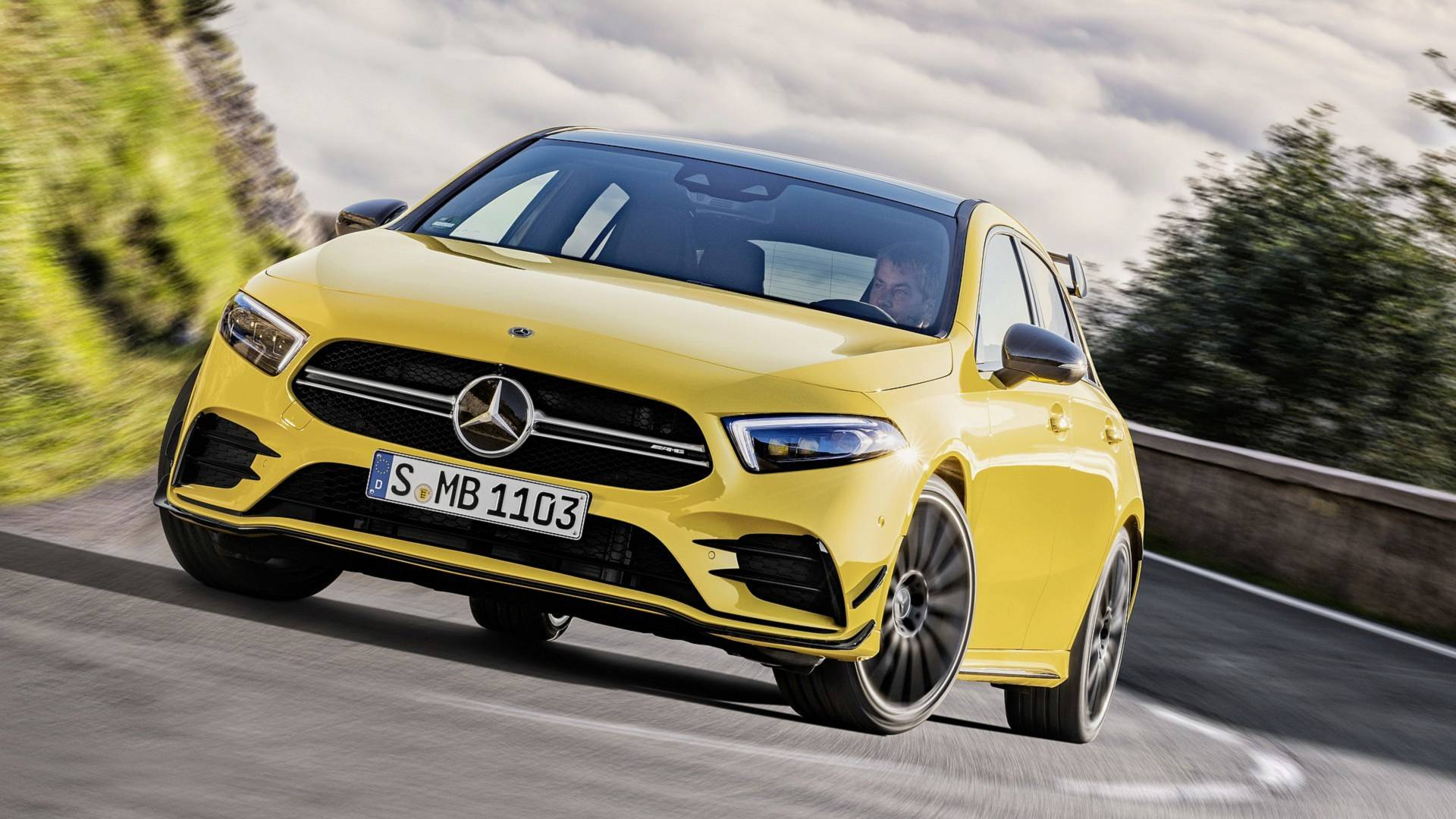2019 Mercedes Amg A35 4matic Goes Official With 302 Horsepower