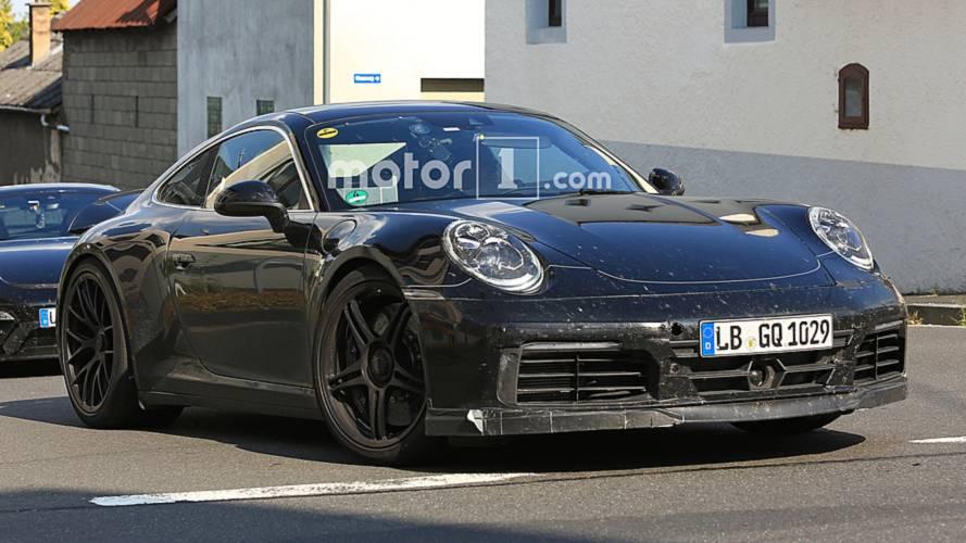 Yeni Porsche 911 GTS yakından görüntülendi