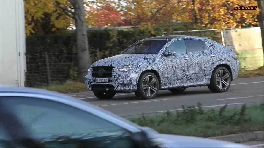 2020 Mercedes-Benz GLE Coupe trafikte görüntülendi