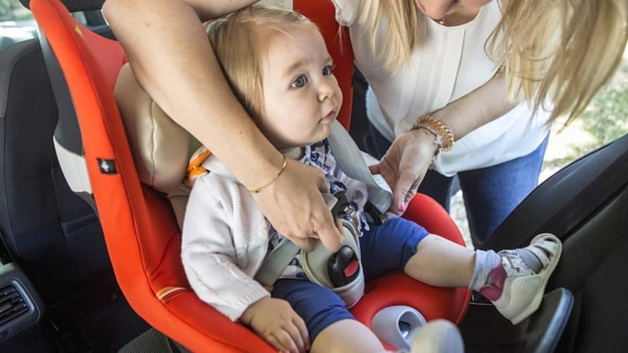 Bambini in auto, 8 consigli per viaggiare tranquilli