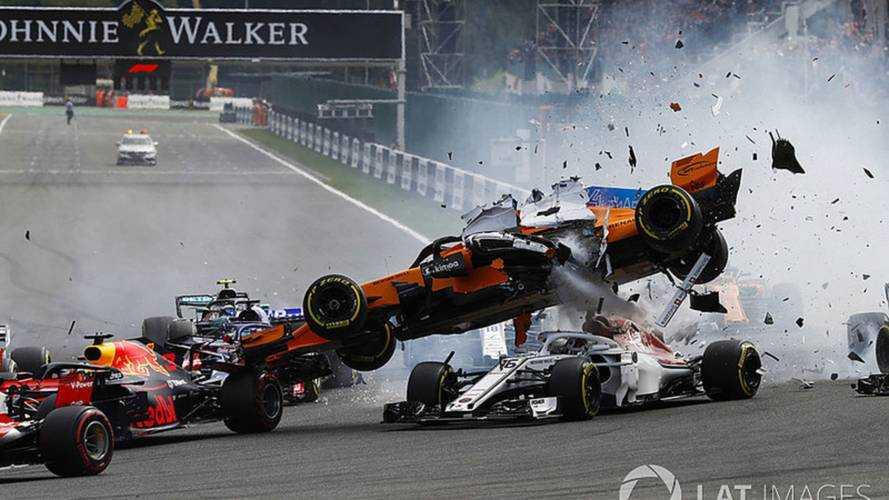 Alonso abandonó en Bélgica tras un accidente tan tremendo como el de 2012
