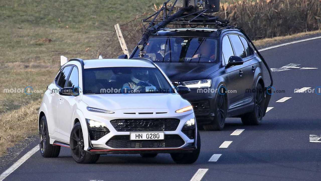 Hyundai Kona N, le foto spia senza mimetizzazioni