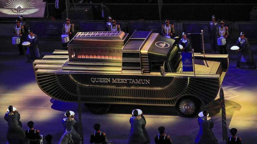 Les étonnants véhicules utilisés lors de la parade des momies égyptiennes