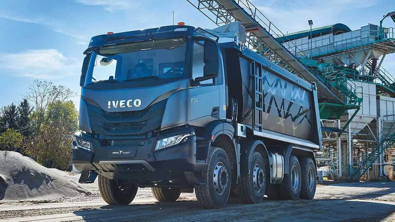Der Iveco T-Way ist en starker Vierachser-Lkw