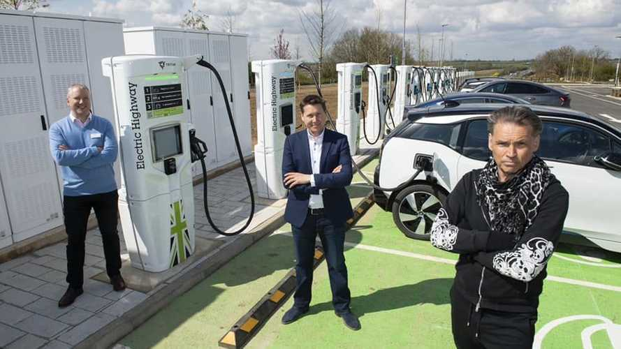 UK: Electric Highway Opens Largest Motorway Fast-Charging Site