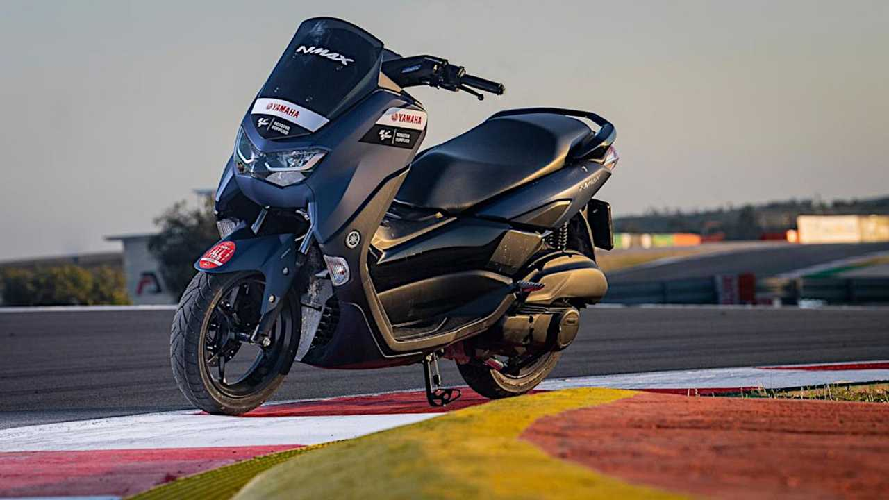 Yamaha MotoGP NMAX Scooters 2021 - Solo Scoot