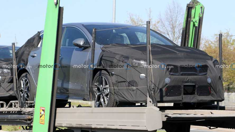 Kia ProCeed Facelift Spy Shots