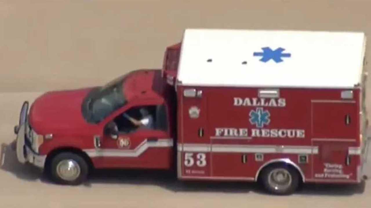 Lopott mentőautó