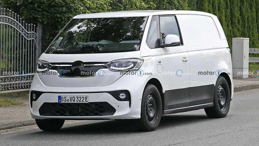 VW ID.Buzz (2022): Prototyp mit Serienkarosserie erwischt