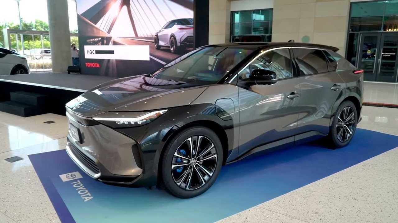 Toyota bZ4X - SUV elétrico - frente