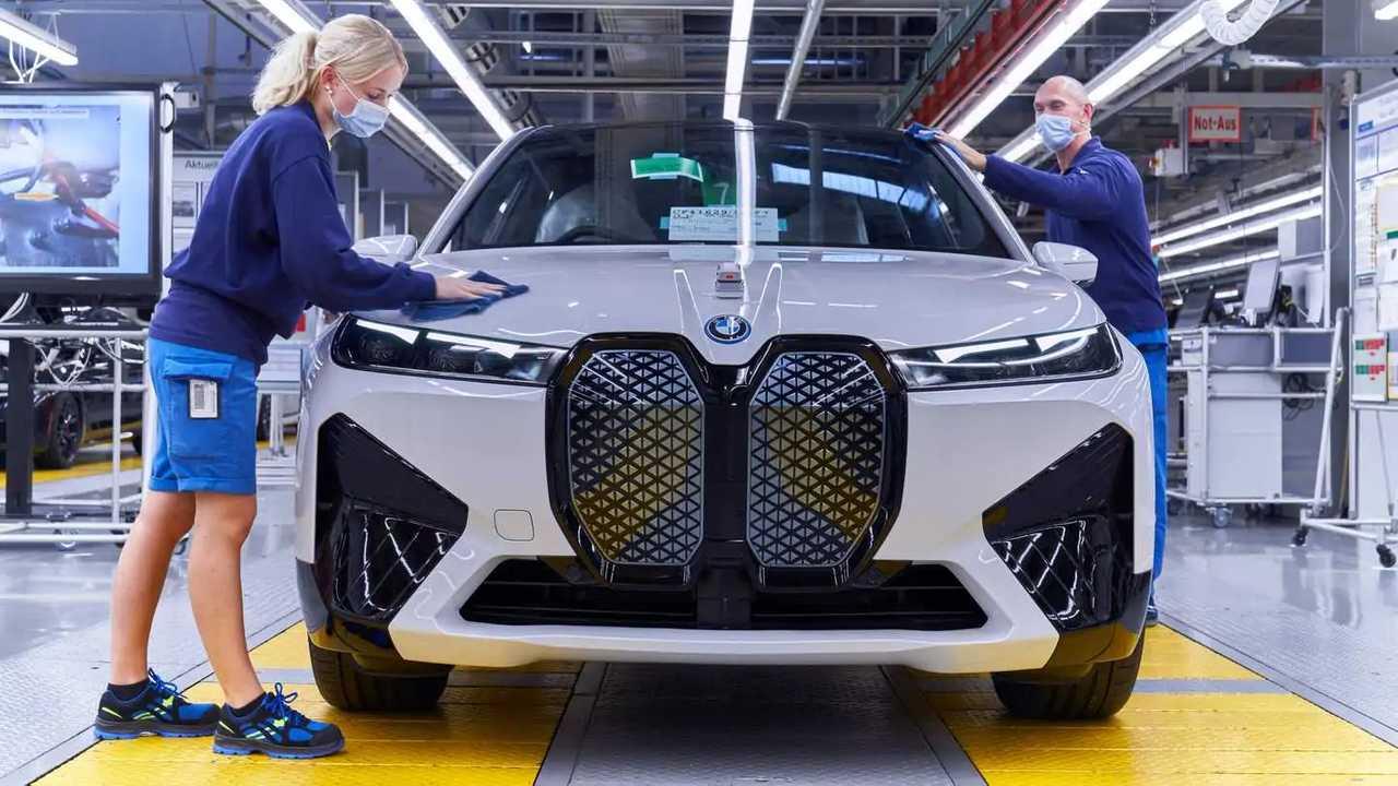 Carros elétricos da BMW, i4 e IX