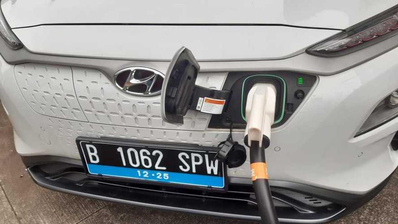 Pengisian daya mobil listrik Hyundai.