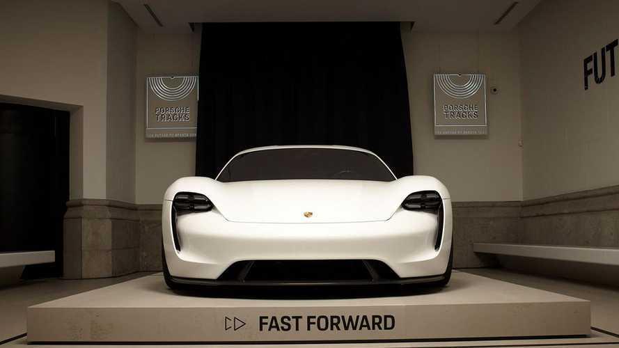 Умножить на два: новый план электрификации Porsche