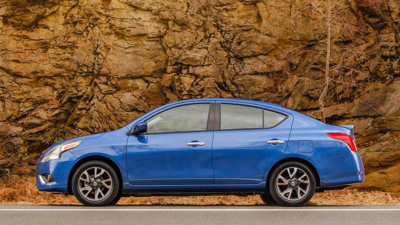 Nissan Almera 2020 (Versa)