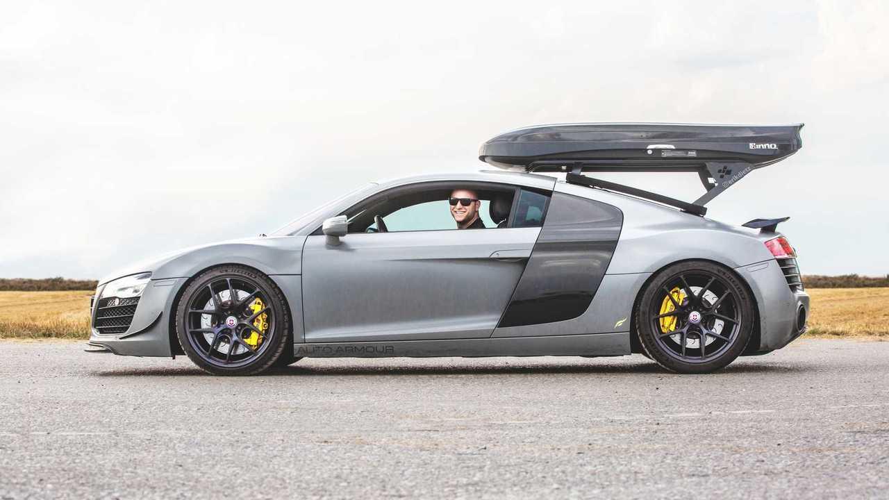 Il giro del mondo in Audi R8 manuale