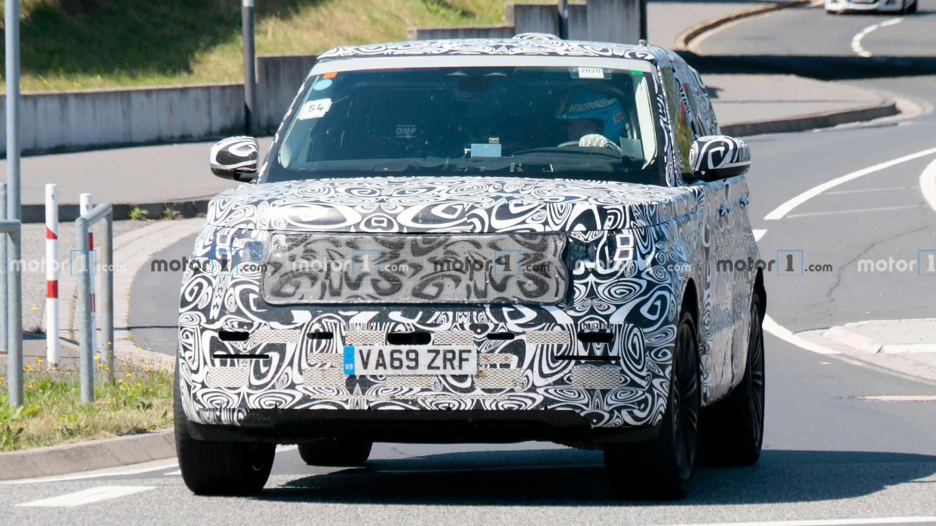 2022 Range Rover spy photo