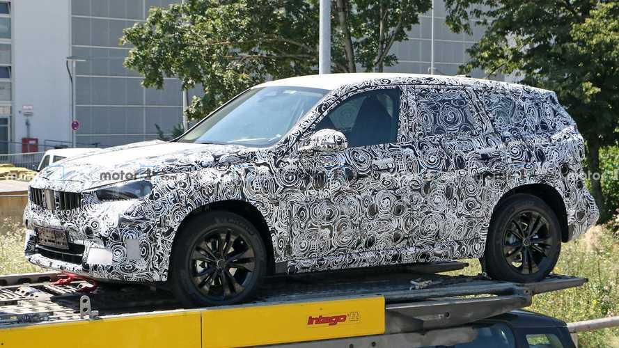 BMW X1 - новые шпионские фото