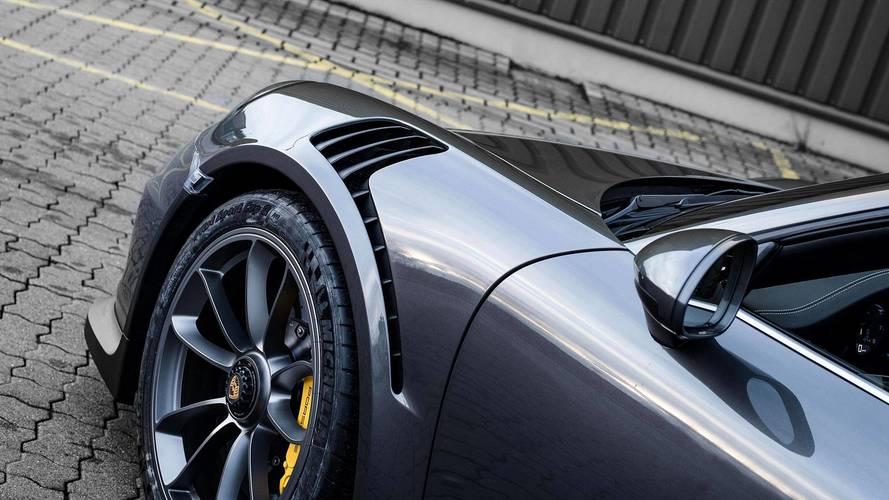 Mcchip-dkr Porsche 911 Targa GT3 Conversion