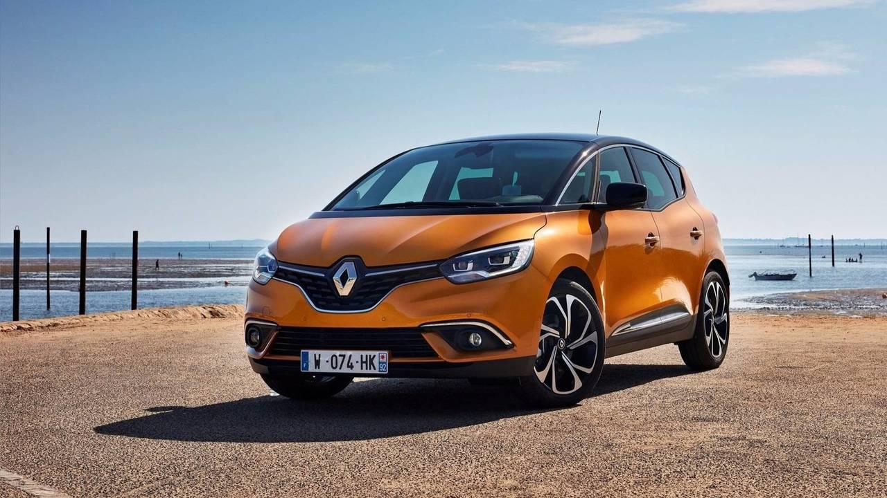 17 - Renault Scénic