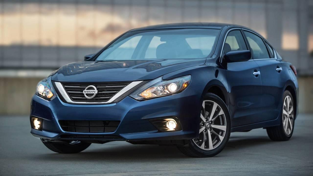 13. Nissan Altima: 254,996 Units