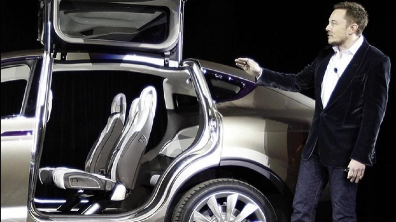 [Copertina] - Tesla, una novità top secret il 17 ottobre