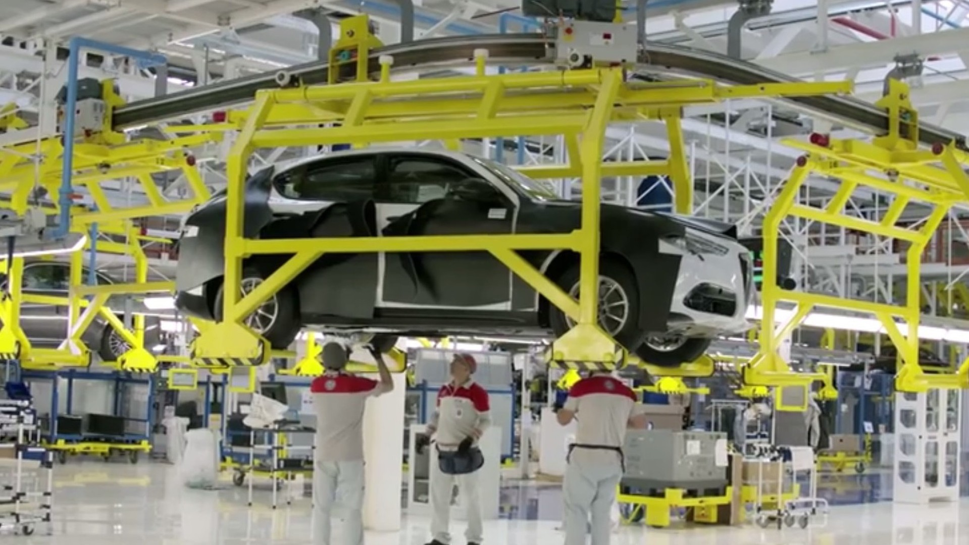 Alfa Romeo Stelvio Suv Spotted Partially Uncovered In Factory Video
