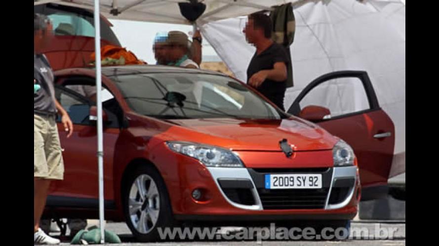 Versão de produção da nova geração do Renault Mégane é flagrada sem disfarces