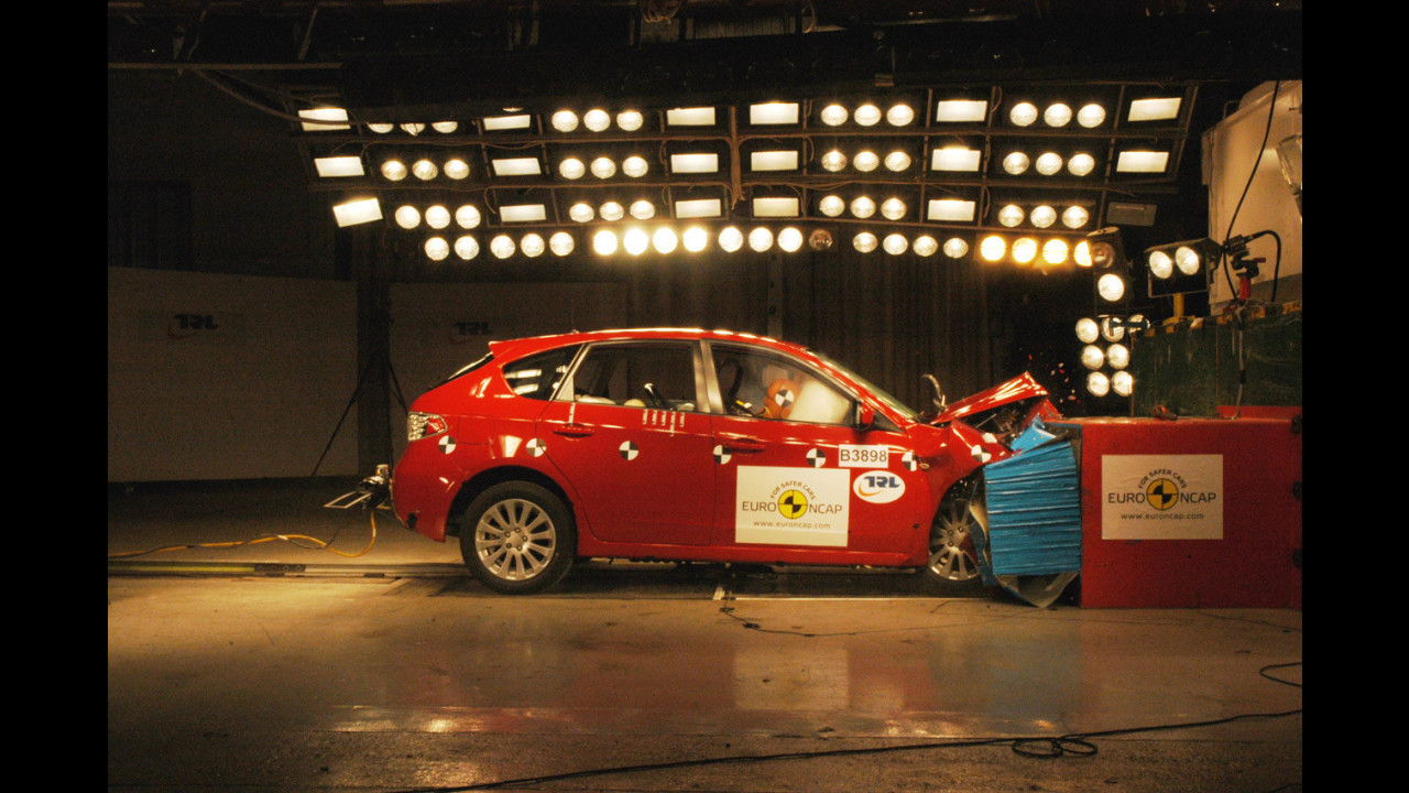 Crash Test Subaru Impreza