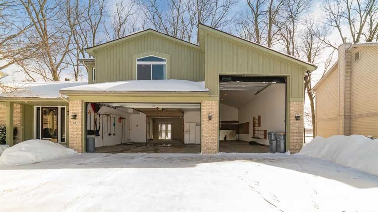 Gearhead Home Offers 6-Car Garage With Bonus Room For Under $400K
