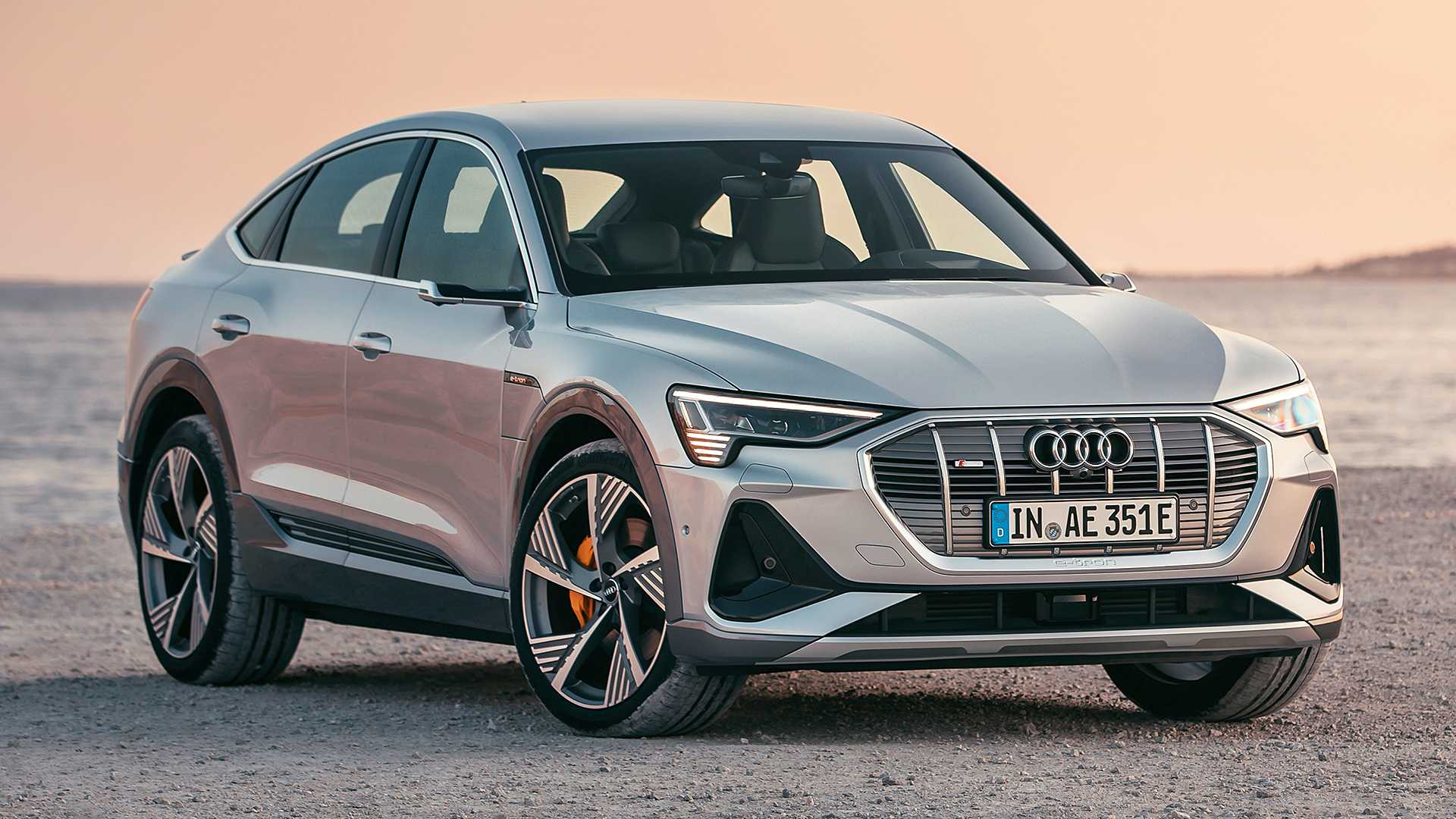 Audi E-Tron Sportback debuts smooth shape and sci-fi headlights