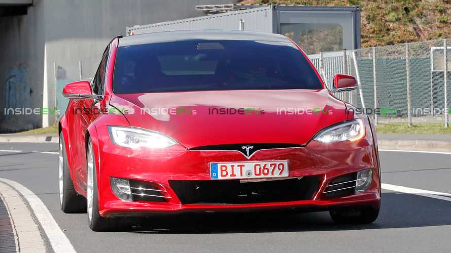 New detailed images of Tesla Model S P100D+ Plaid surface