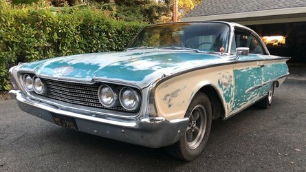 Ebay discovery barn find 1960 ford galaxie sunliner was parked for 43 years