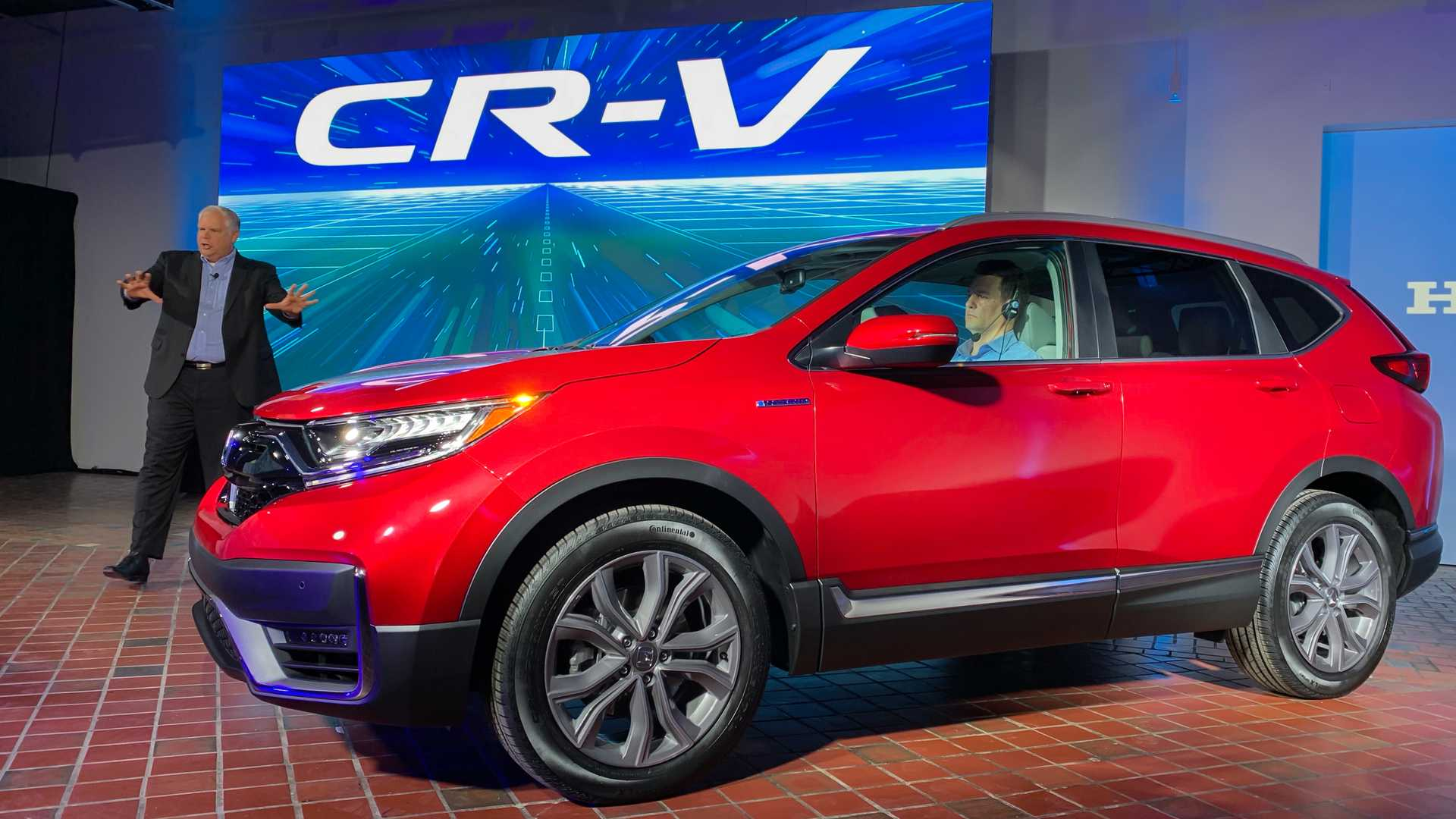 2020 Honda CR-V Debuts With Refreshed Styling, Hybrid Version
