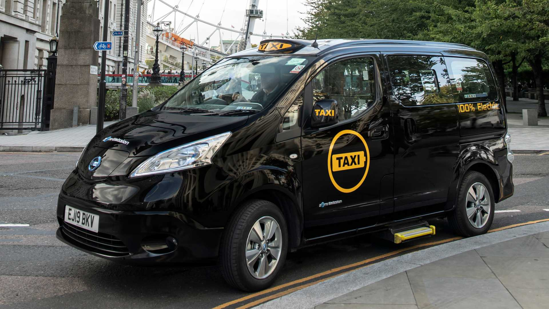 First All-Electric Taxi In London In 120 Years Takes To ...