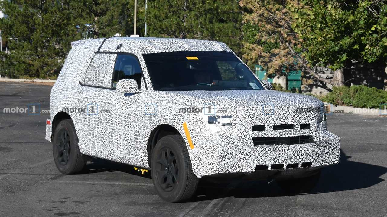 New Ford Bronco >> Ford Baby Bronco Spy Shots Offer Detailed Look At The New Suv