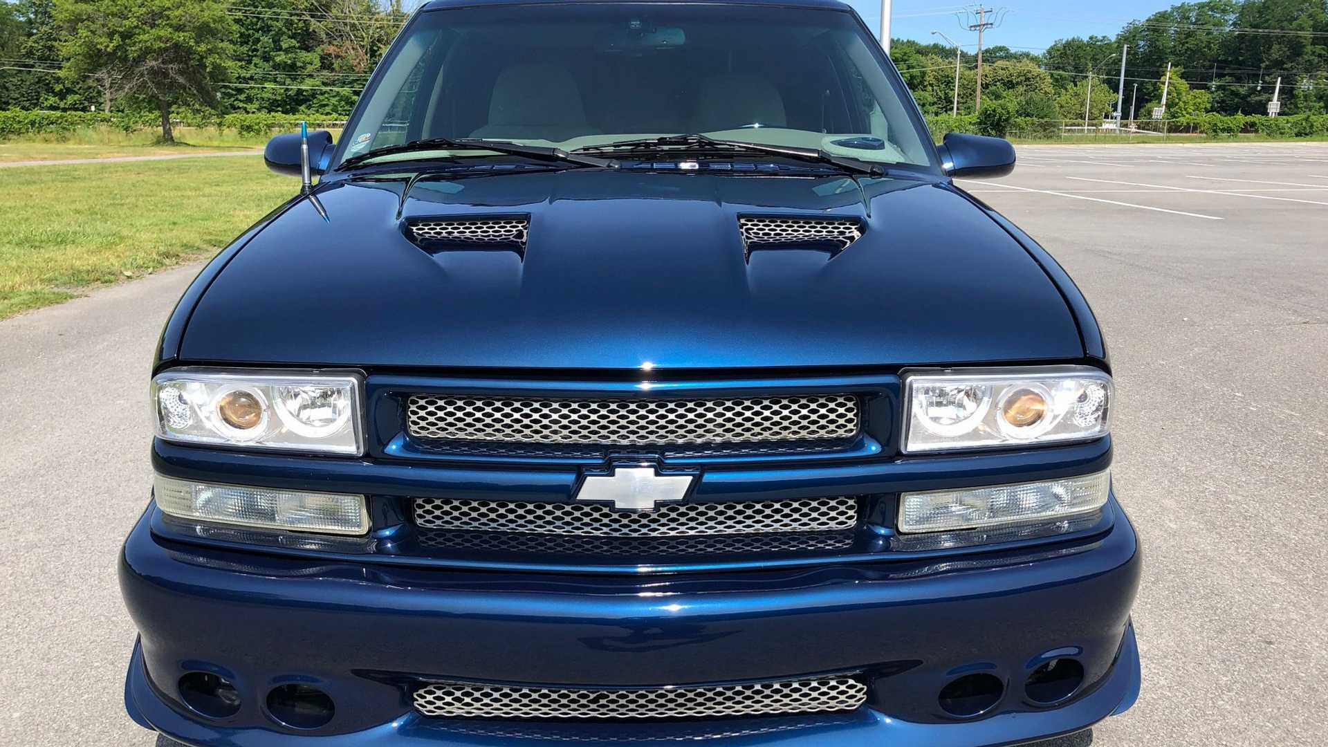 "[""Custom 2001 Chevrolet S-10 Is Extreme""]"