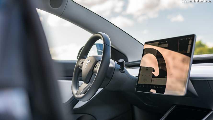 Tesla - La connectivité premium devient payante