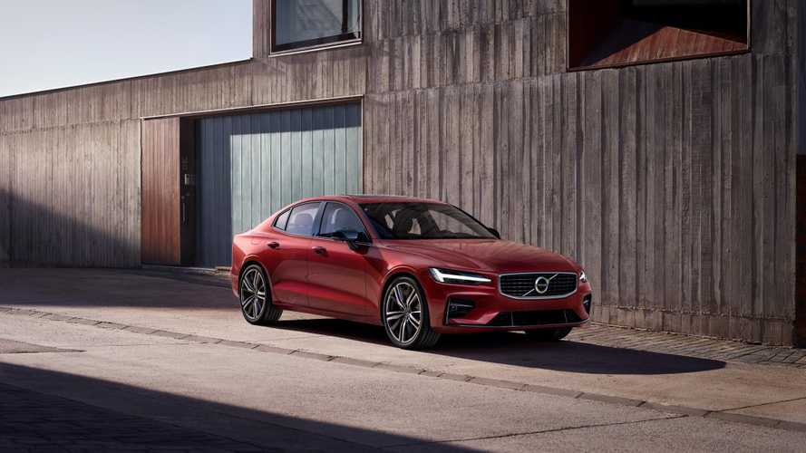 Volvo Recharge PHEVs To Drive In EV Mode For Free During 1st Year