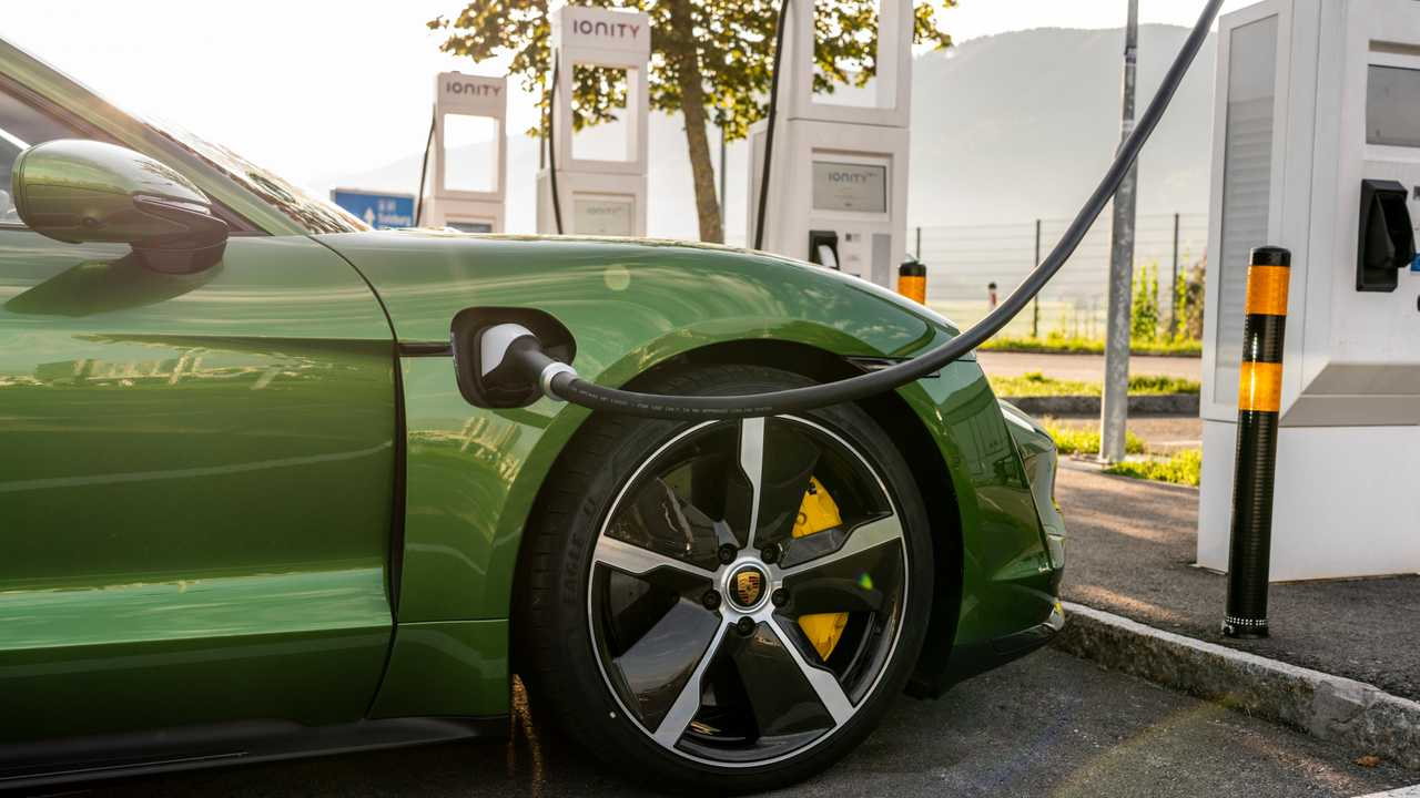 2020 Porsche Taycan First Drive Proudly And Properly Electric