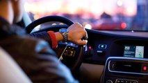 Die beliebtesten Weihnachtslieder beim Autofahren