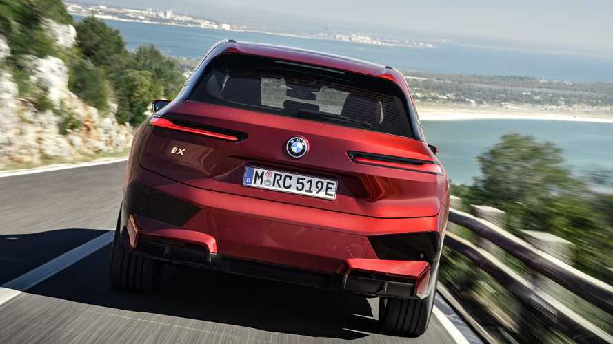 BMW iX xDrive40 y xDrive50: sus datos, al descubierto