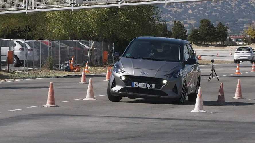 A Hyundai i10 is ellátogatott a rettegett jávorszarvas-tesztre