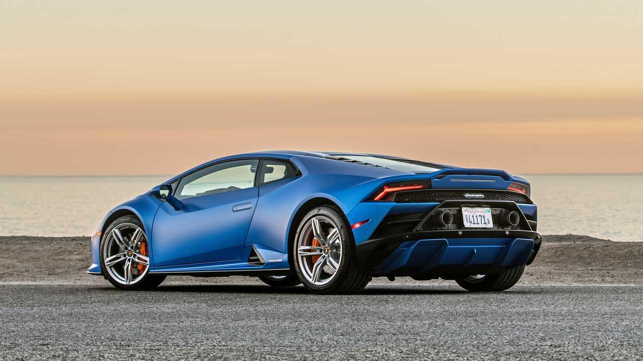 2020 Lamborghini Huracan Evo RWD rear quarter static