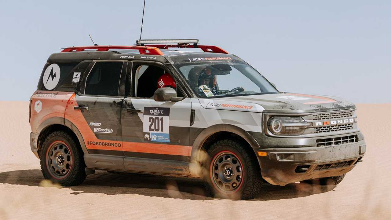 Aksi Ford Bronco Sport di Rebelle Rally